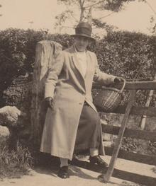 Click for a larger image of Rose Wareham (nee Stainer) (1880-1960)