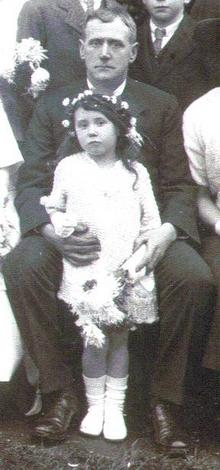Click for a larger image of Frederick J Horler and niece Hettie