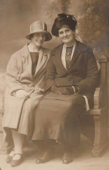 Click for a larger image of Minnie and Rose Horler 1926