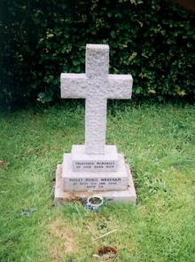 Click for a larger image of Violet Doris Wareham's (nee Hiscock) grave