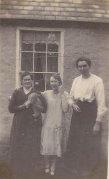 Click for a larger image of Say sisters, and Grace Horler ?