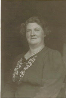 Click for a larger image of Ethel Sophia Hiscock (nee Kelly)