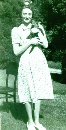 Click for a larger image of Hebe Horler (nee Talbot)
