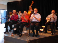 Click for a larger image of Cuff Billett's New Europa Jazz Band - 8th July